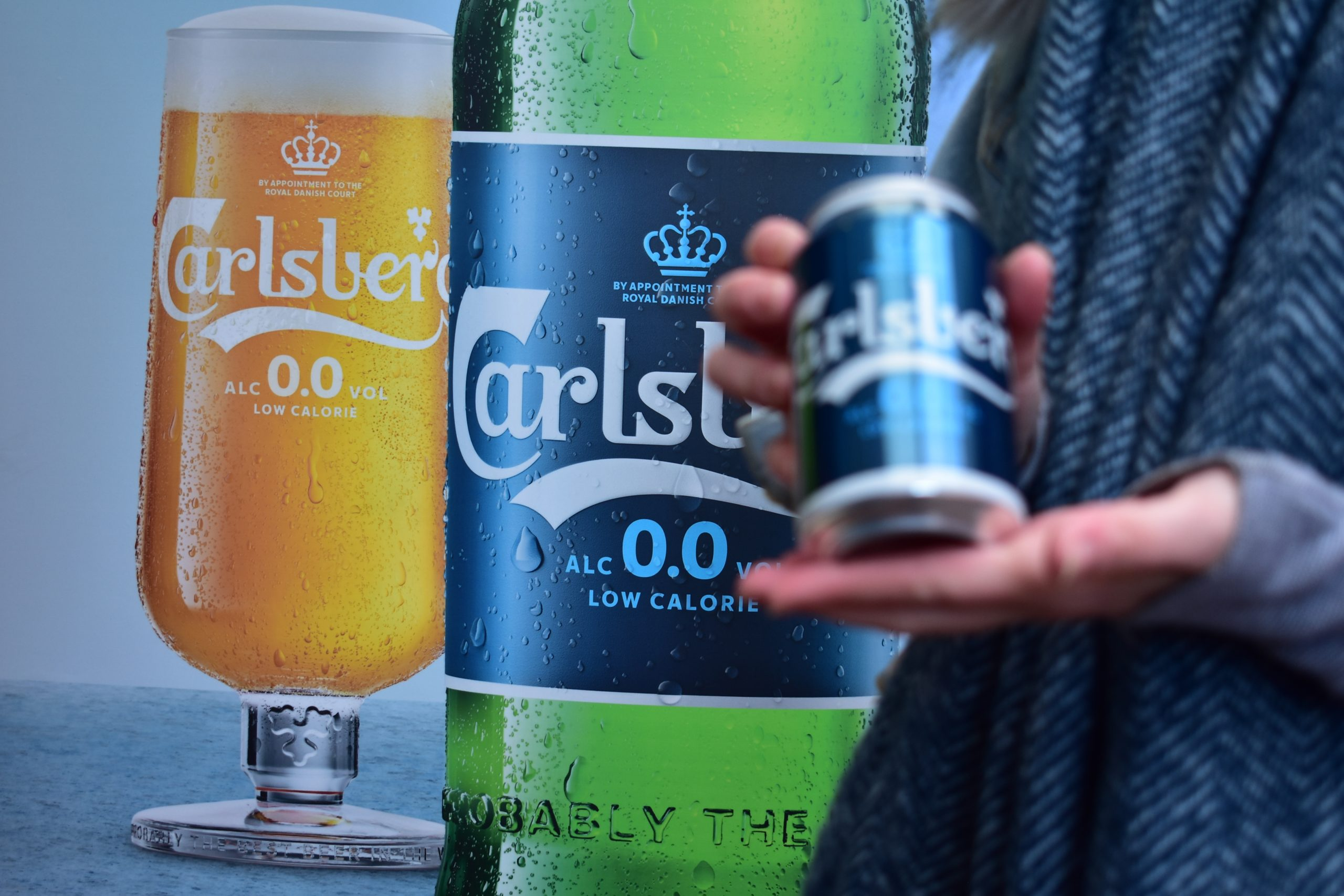 Diageo launched Carlsberg 0.0 with an innovative Out of Home campaign dispensing free cans of the product from an Adshel in Belfast.